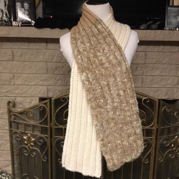 c9f29e4d105 Gap beautiful multi color scarf 🧣 Wool &Acrylic